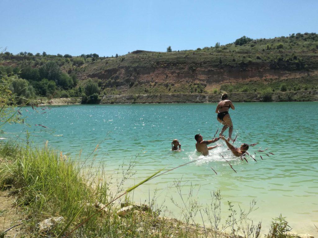 Kupači na Bešenovačkom jezeru