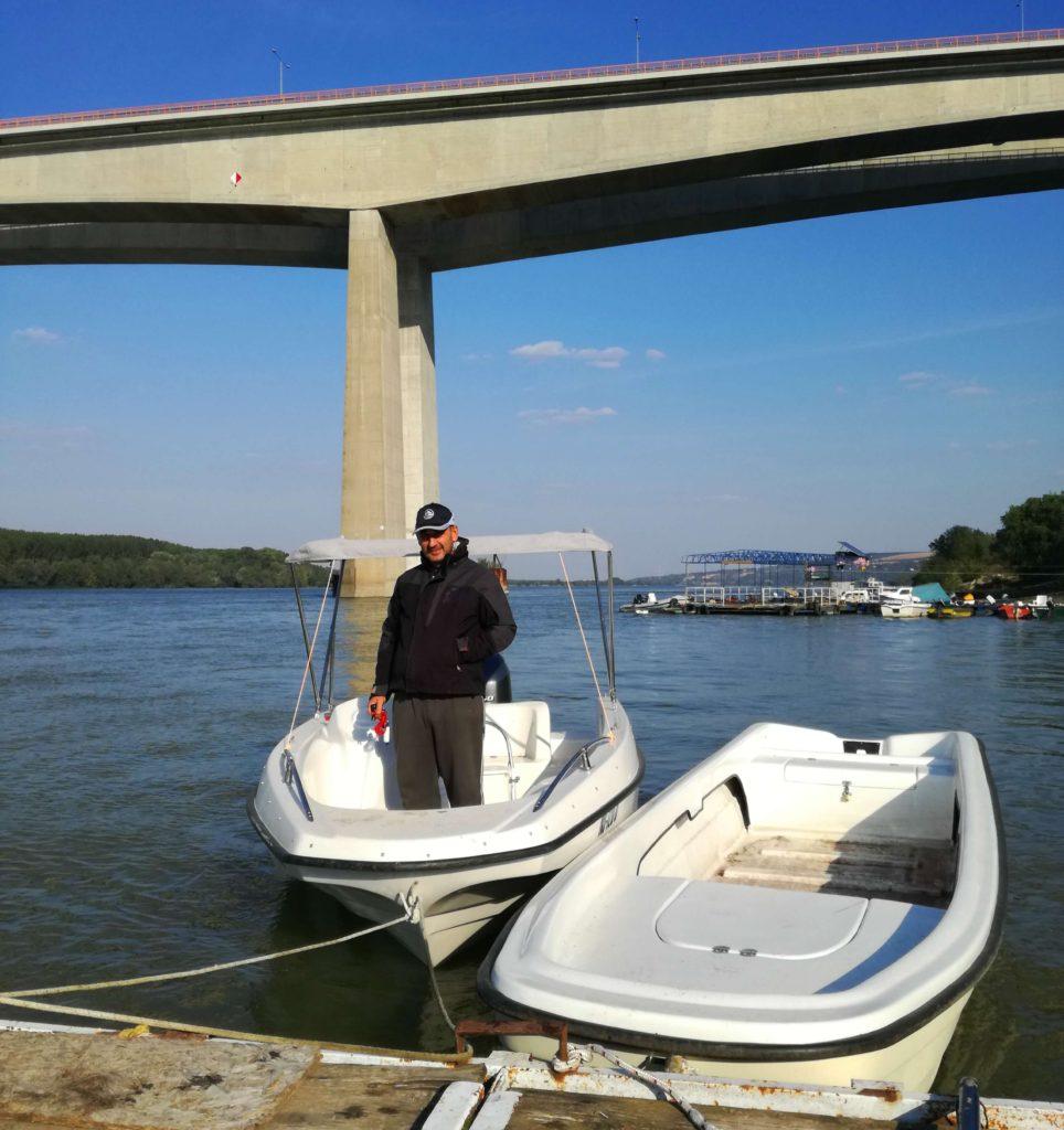 Dragan Topić u svom čamcu