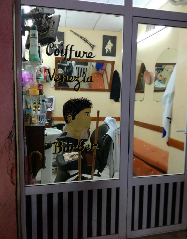 Frizer u Marakešu, Maroko