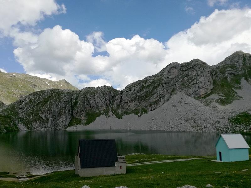 Kapetanovo jezero Moracke planine