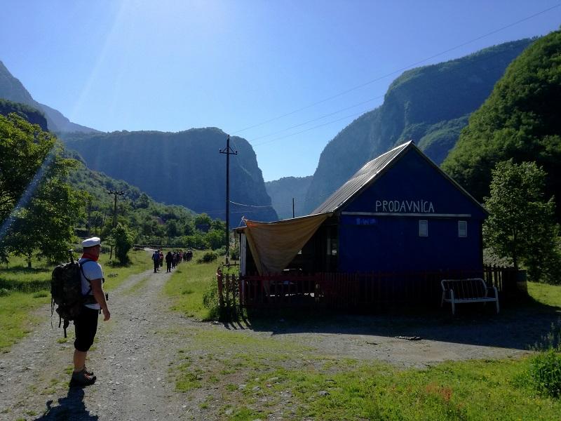 Ulaz u kanjon Mrtvice, Moracke planine